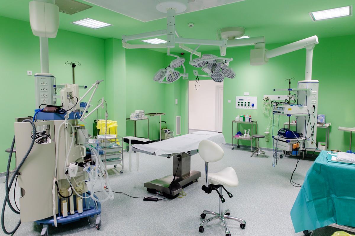 Plasztikai sebészeti műtő - Borostyán